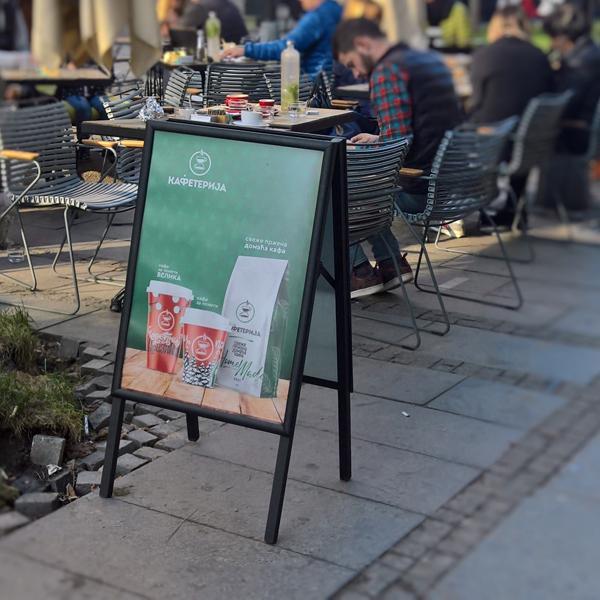 A bord sendvic tabla u boji