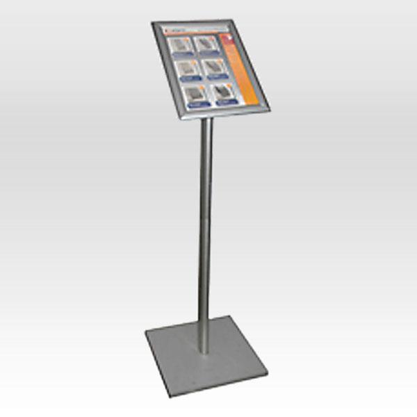 Stajaca info tabla sa aluminijumskim klik klak ramom na vrhu (meni bord)
