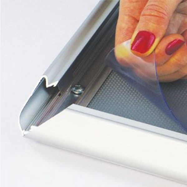 Aluminijumski klik klak ram za postere, profil 32mm, zastitna folija